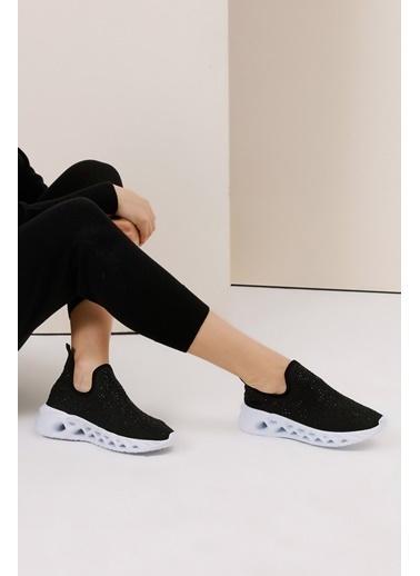 Gusto Taşlı Kumaş Sneaker - Siyah Taşlı Kumaş Sneaker - Siyah Siyah